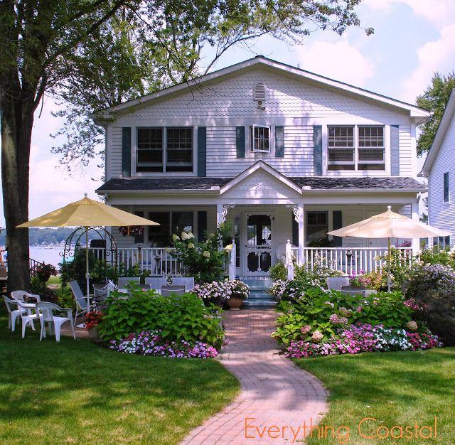 Colorful Lake Michigan Cottage: Everything Coastal....: A Michigan Lakefront Storybook