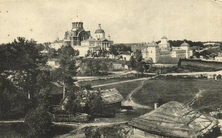 Pokrovsky monastery in Khotkovo
