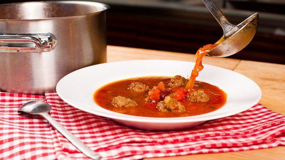Мексиканский фасолевый суп с фрикадельками