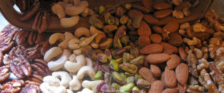 Raw Nuts| Raw Almonds| Organic Nuts| Organic Almonds| Unpasteurized Almonds, Living Nutz, Maine. Great source for buying nuts.