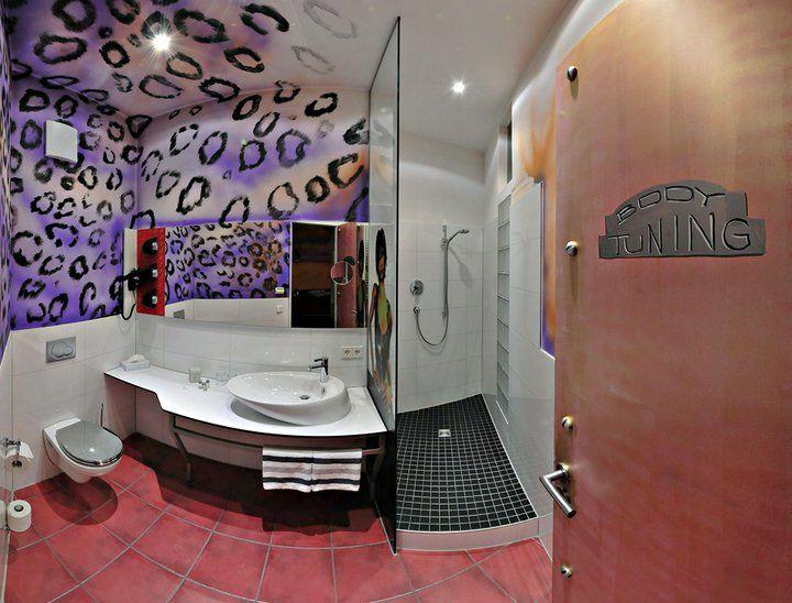 Stoccarda, V8 Hotel: stanze da bagno a tema automobilistico!Bagni dal ...