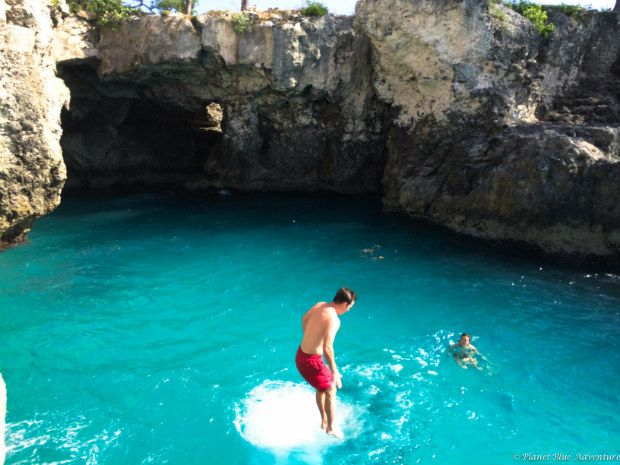 Rick's Cafe Cliff jumping at the Cove