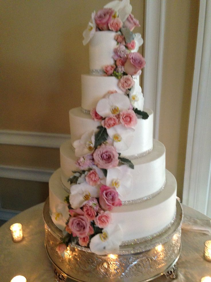 wedding cakes northern new jersey%0A Beautiful roses floral decor on wedding cake very colorful Amaryllis  Decorators Northvale  New Jersey