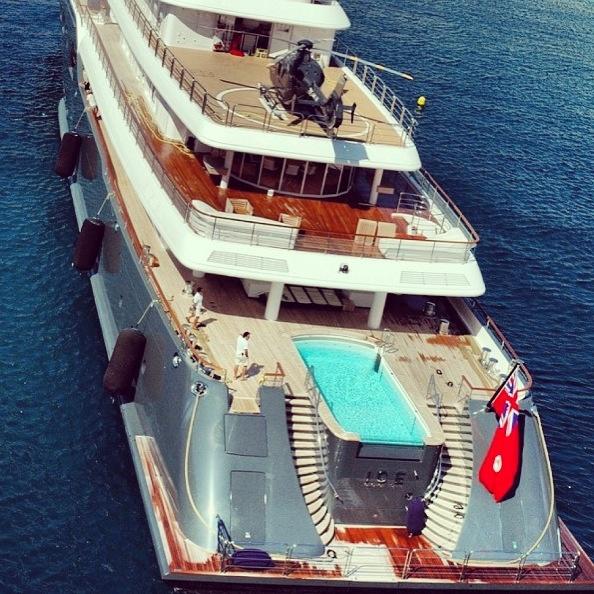 Super yacht version of the Catamaran. Gettin a new deck!