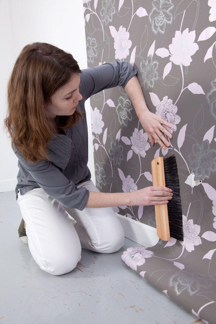 Poser du papier peint soi-même n'est pas si compliqué, surtout si on opte pour…