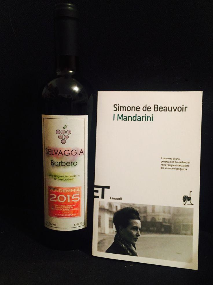 Un buon libro accompagnato a un buon vino. Ricette della felicità.