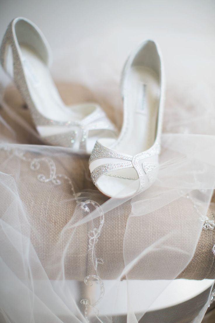 how to get out of a wedding dress contract