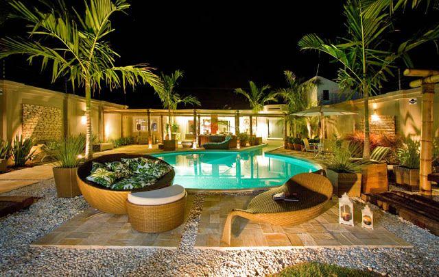 Sem gramado a volta da piscina somente plantas em vasos for Plantas para piscinas