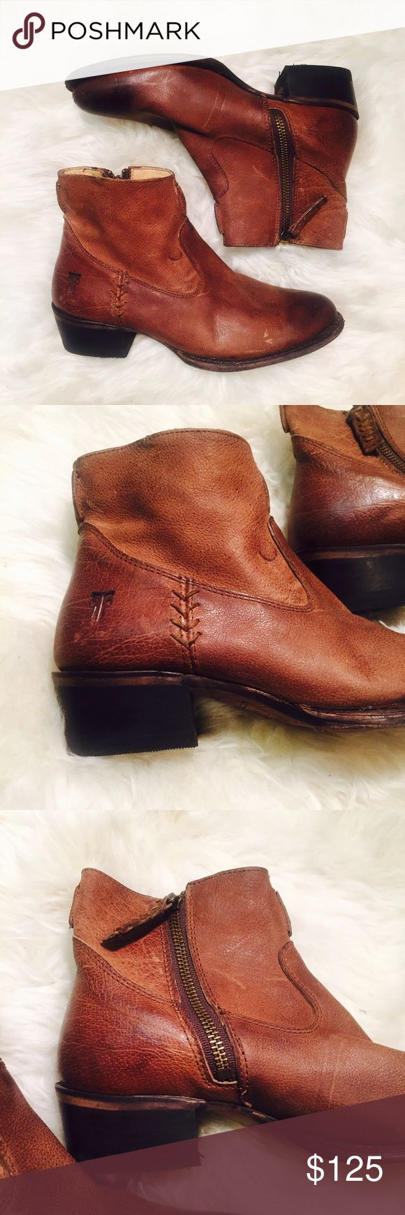 FRYE Bootie Boots Stitch Leather EUC Zip 6 Dark Stunning pair of Frye Booties, EUC : they have been re-soled in one boot and the other is fine, both heels have been professionally replaced (just the rubber bottom). Now perfect! These are a real score! Very little signs of wear Frye Shoes Ankle Boots & Booties