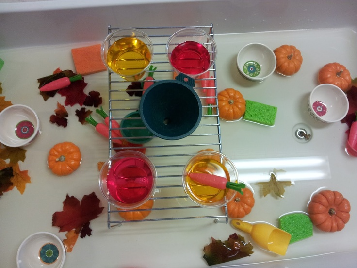 fall color mixing activity in water table play learn do in preschool sensory