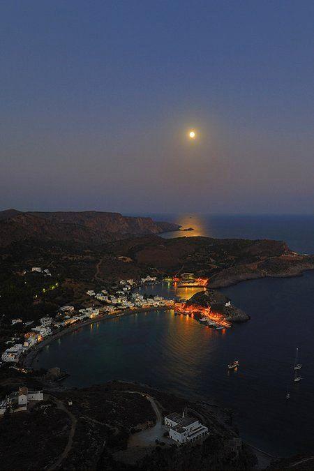 Full moon.. Kapsali - Kythira Island, Greece | Flickr - Photo by Vasilis.