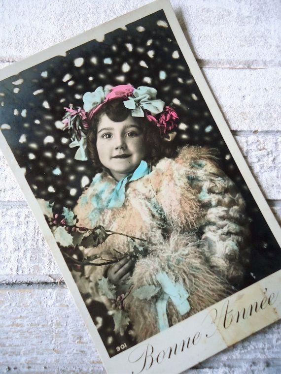 Antieke kerst briefkaart  kleine meisje kind door LizKnijnenburg