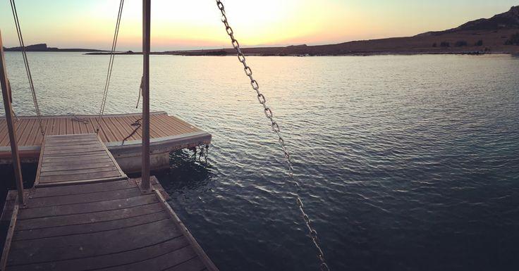 Il tramonto di #fornelli #asinara non si smentisce mai! Buona visione a noi 😉 #vacanzaInCatamarano #weekendAsinara #weekendCatamaranoAsinara