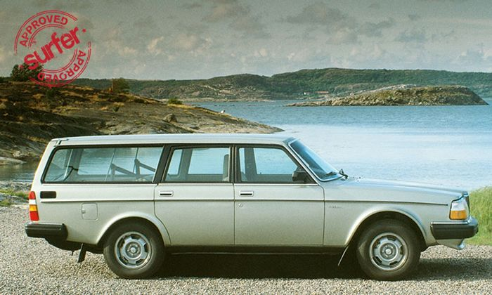 The roar of a Volvo Station Wagon's four-cylinder engine can steal thunder's thunder. #WagonSpotting #spon