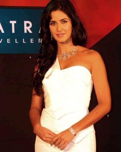 Katrina Kaif's diamond bracelet. http://www.xplorfashion.com/p/hollywood.html