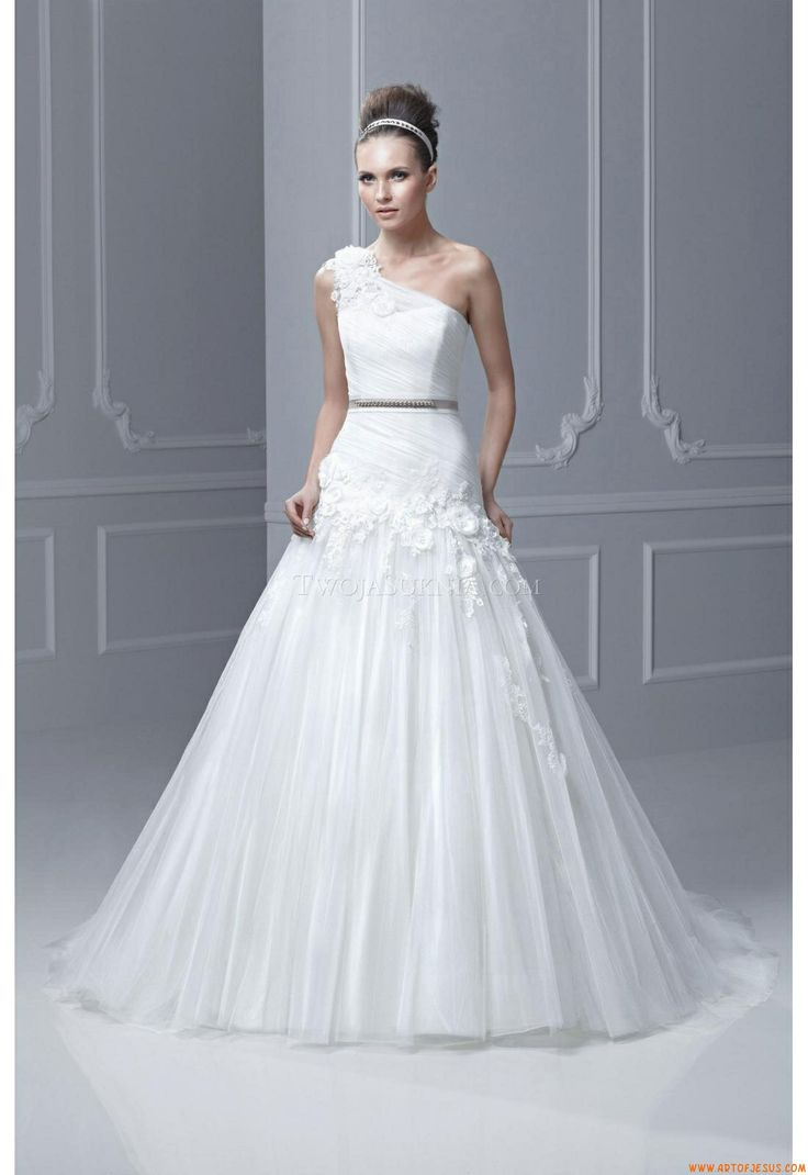 33 best Bridal gown images on Pinterest   Wedding frocks, Short ...