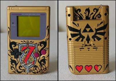 Zelda Customized Gameboy http://custom-art.blogspot.com/2011/11/custom-game-boy-zelda.html OMG