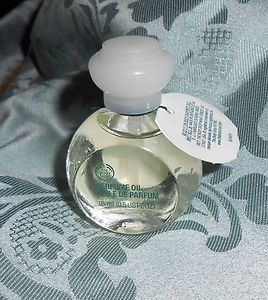 The Body Shop White Musk Perfume Oil. Used to wear this ! The smell brings back memories.