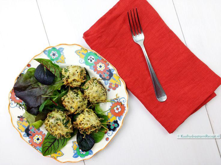 Gevulde champignons zijn het perfecte borrelhapje. Vul ze met een gezonde, verse groentevulling die je op smaak brengt met een handje verse kruiden.