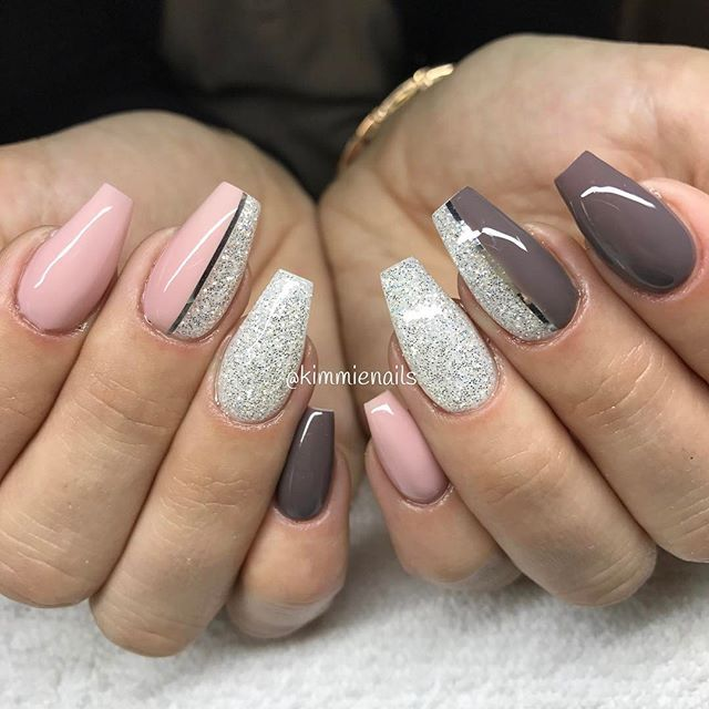 Pink nude, earth, & diamond glitter #naglar #nagelkär #nagelbesatt #nagelteknolog #naglarstockholm #nagelförlängning #nails #nailart #nailswag #nailfreak #nailsbykim #nailfashion #nailpassion #nailobession #nailextensions #uvgele #gelenaglar #gelnails #dope #dopenails #summer #swag #blingbling #blingnails #love #passion #kimmienails #notd
