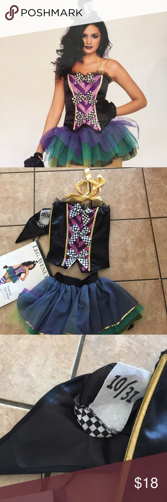 Leg avenue costume mad hatter Super cute mad hatter costume. Size m. Missing leggings and gloves  Has hat top and skirt leg avenue Other