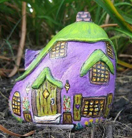 painted rock cottage---OMG!!! this would perfect for the fairy gardens!