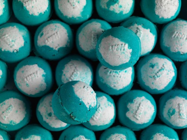 Big Blue bath bomb... NZ $7.50 / AU $6.75