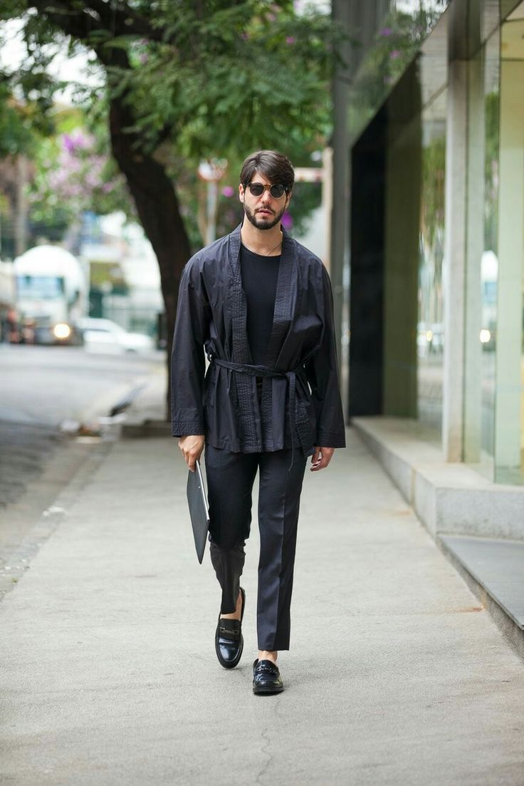 Today's Outfit com look total black e quimono masculino