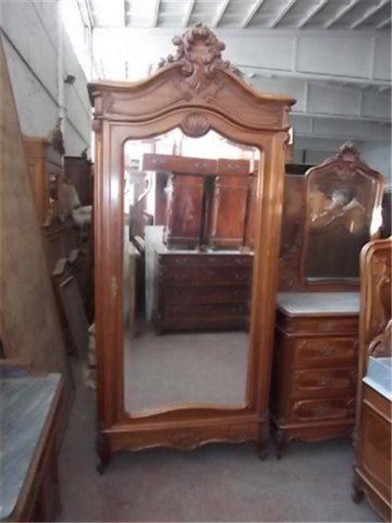 25 Best Ideas About Antique Bedroom Sets On Pinterest Antique White Furniture Antique