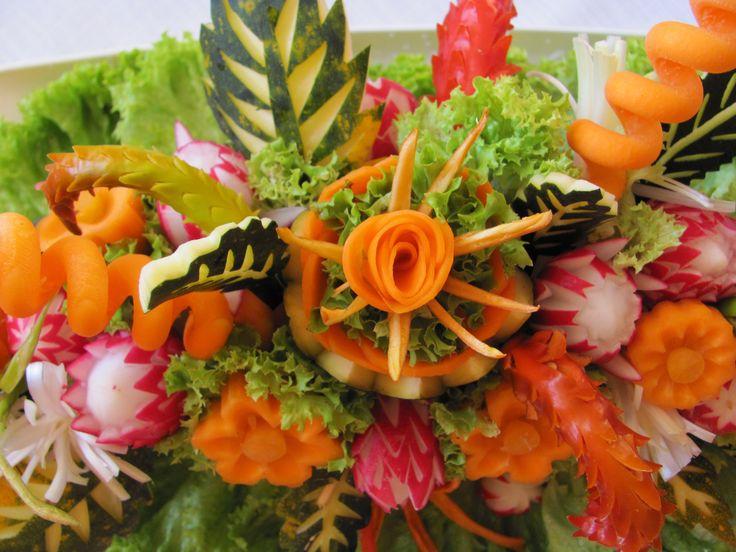 zeleninová dekorace na stůl