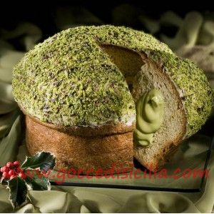 Panettone al pistacchio - Sicilian food- the best food