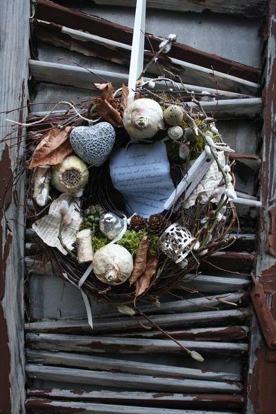 Frühlingspoesie - Türkranz von Frijda im Garten - Aus einer Idee wurde Leidenschaft auf DaWanda.com