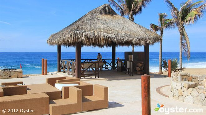 Grand Solmar's spa overlooks the ocean at Land's End Terrace and features beachside massage cabanas. It offers a long list of indoor and outdoor treatments, as well as a Temazcal sweat lodge for a full-body cleansing.