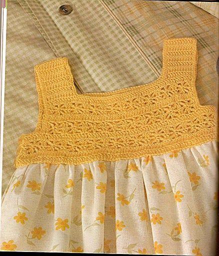 Vestido con detalle a crochet