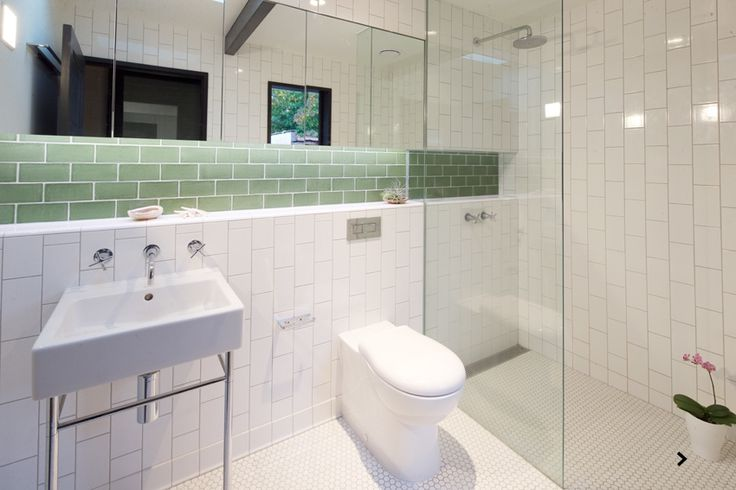 www.arcke.com.au. Caulfield Two Fold House. Window seat and snug. Bathroom.