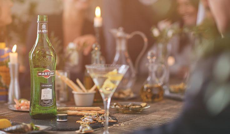 In elke druppel zit de essentie vervat van dit geheime recept met zeldzame houtsoorten, kruiden en citrus. Sinds de lancering op 1 januari 1900 is Bianco, met zijn scherpe citrusaroma's en een zweem van framboos, uitgegroeid tot een essentieel ingrediënt van de dominante cocktail van de eeuw: de Dry Martini.