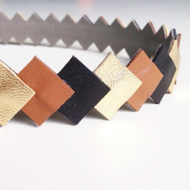 """Head-band """"Graphique"""" en Cuir coloris Noir - Or - Caramel monté sur un élastique"""