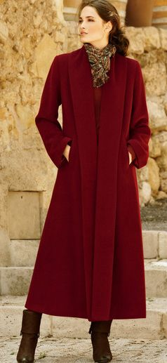 Love the look & style of this coat....So me.....I'd buy it in Charcoal Grey ---  Bordeaux Coat | fall-winter Look.