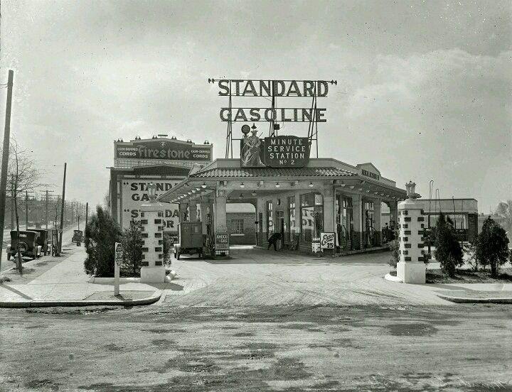 28a78659b02e0b136f3a1c4de5b78c84  old gas stations filling station