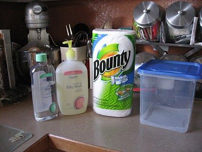 Homemade Baby Wipes....I LOVE this idea! Can't wait to try!!
