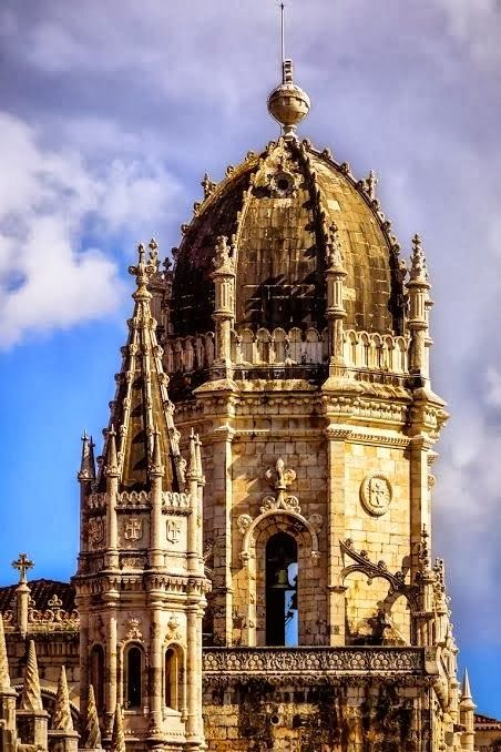 Lisbon Jeronimos Monastery | The Jeronimos Monastery is the most impressive symbol of Portugal's power and wealth during the Age of Discovery.   Cost - 6 euros