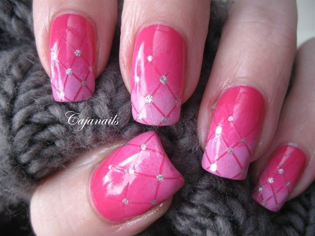 Gradient pink plaid by Cajanails - Nail Art Gallery nailartgallery.nailsmag.com by Nails Magazine www.nailsmag.com #nailart
