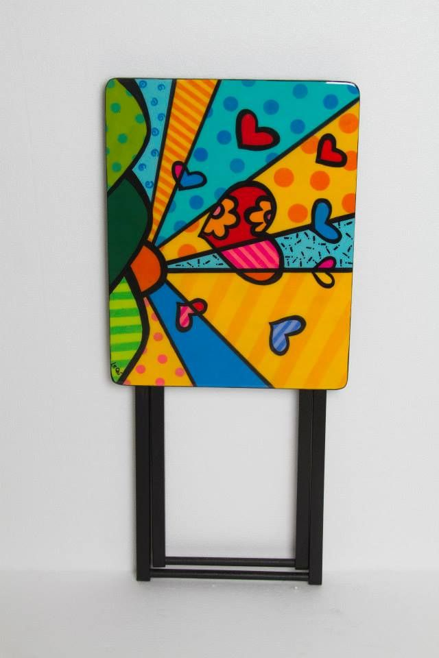 Mesa plegable con un diseño del genial Romero Britto.