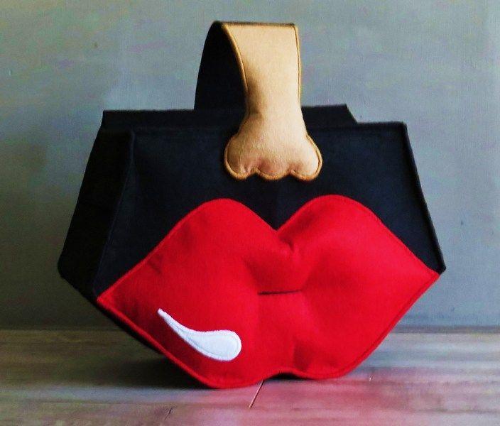 Schoudertassen - Zwarte Tas met Rode Lippen - Een uniek product van KatUnique op DaWanda