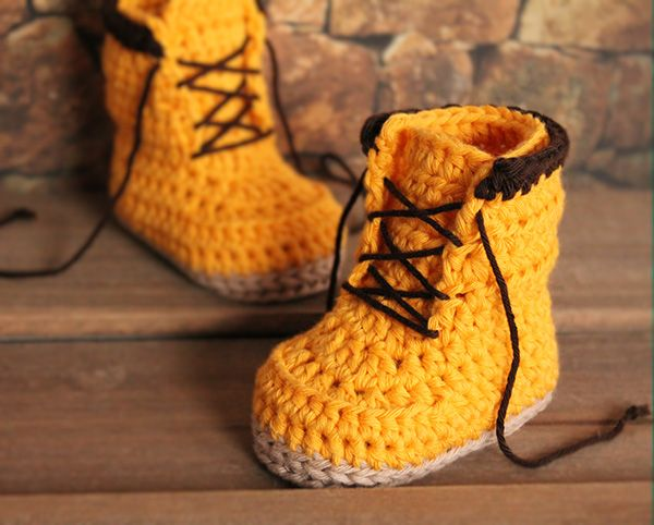 OH MY GREAT GOODNESS THESE ARE ADORABLE! Woodsmen boots crochet pattern by Inventorium