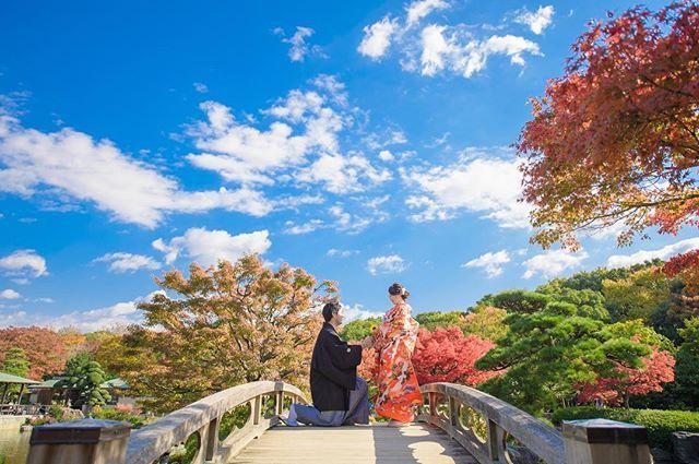 本日、雨予報から晴れてくれました🌤  今日は堺の大仙公園日本庭園にて撮影です✨  桜シーズン予約受付中です🌸  桜シーズンは短いのでお早めに🌸  Instagram 期間限定  ホームページ作成用のモデル様募集☆  色打掛・白無垢・綿帽子など全てロケーション撮影です。  データを広告媒体に使用しても良い方。  新郎様(黒紋付袴)と新婦様衣装(色打掛or白無垢)1点69,800円で全データお渡しします。  色打掛と白無垢2着も着用オススメです  色打掛48着〜の中から選べ、選んだ柄、ランクによるUP料金なし。  白無垢は18着あります。 👗ロケーションドレス撮影👗 40,000円 持込ドレス、タキシードでの撮影。 👗dress・tuxedo・小物レンタルプラン・ヘアメイク付き  89,800円  ご希望の方、ご相談は  和心 櫻 前田まで09010733005  PC wasakura715@gmail.com LINEID  masakigofukuまで。