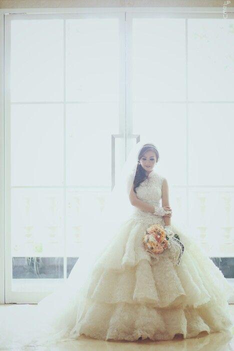 #bride #wedding #weddingideas #photography #marvello #weddingday #bridetobe #bridestory #gown #lace #dress