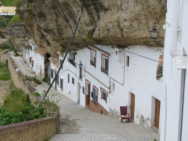 What It Looks Like to Actually Live Under a Rock - Globe Trotting - Curbed National
