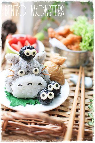 日本人のごはん/お弁当 Japanese meals/Bento. トトロおむすび Totoro Onigiri