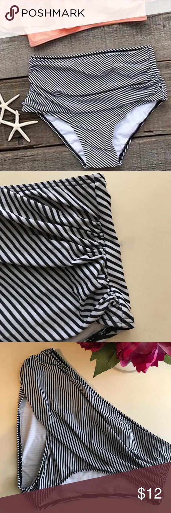 NWOT Cupshe B&W High Waisted Swimsuit Bottoms NWOT Cupshe Black and White High Waisted Swimsuit Bottoms. Never worn! Size extra large. Super cute and will go with any top! Cupshe Swim Bikinis